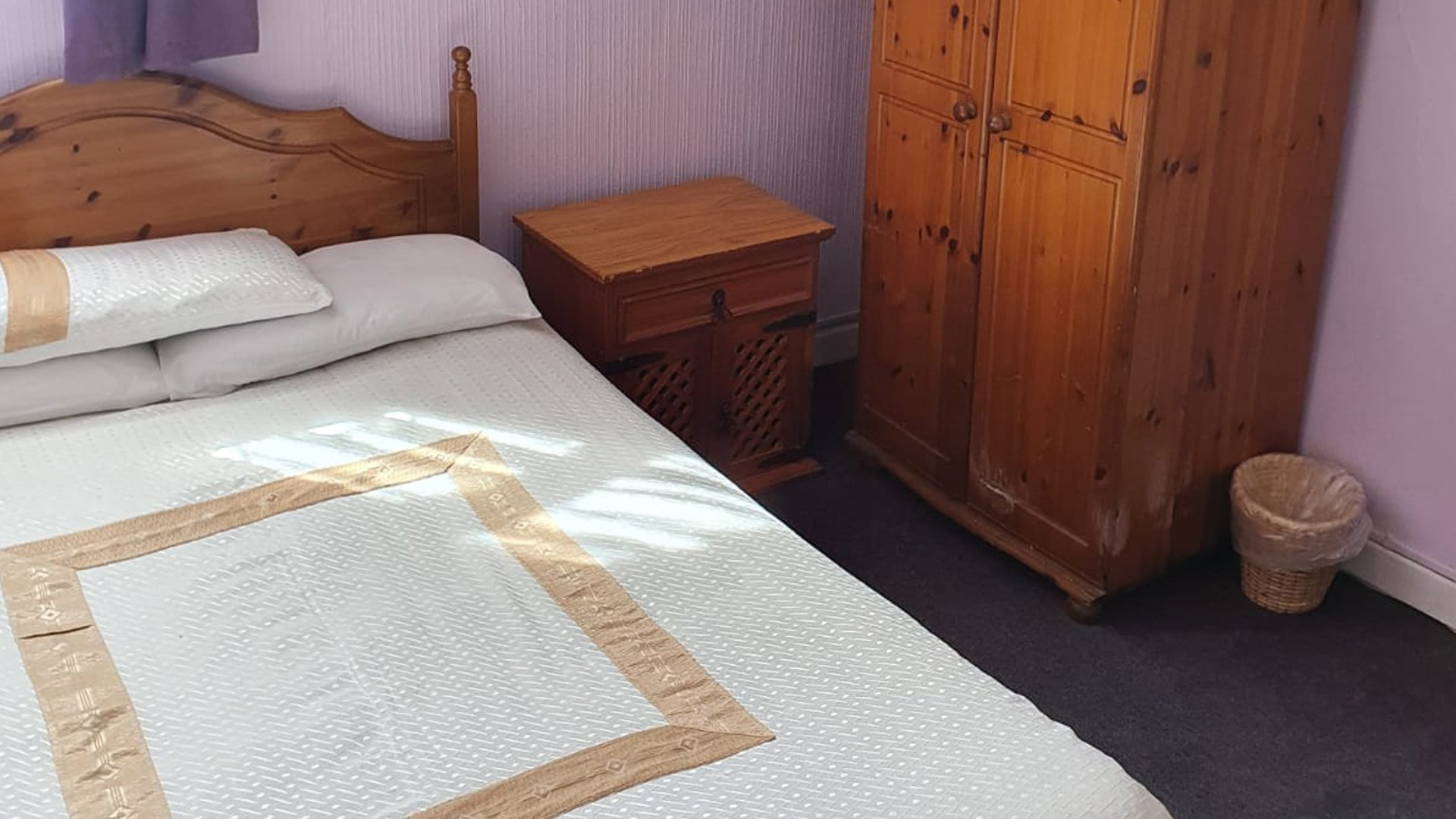 Station View Tavern - Double Room